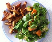 Sweet Potato Wedges and Rocket Salad with Pumpkin and Avocado (Rucolasalat mit Ofenkürbis und Avocado)